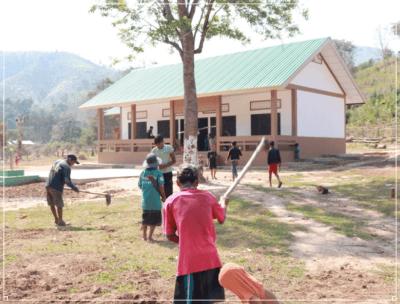 プペル小学校建設中